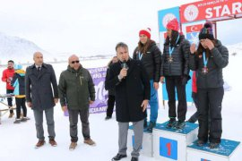Bitlis'te 'Kayaklı Koşu 1. Etap Yarışları' yapıldı