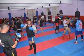 Tatvan'da uluslararası Muaythai kampı düzenlendi