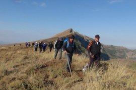 Nemrut Dağı'nda zirve yürüyüşü düzenlendi