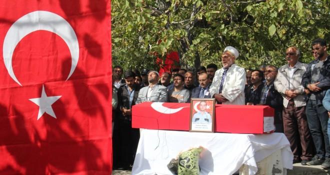 Şehit polis adayı Adilcevaz'da toprağa verildi