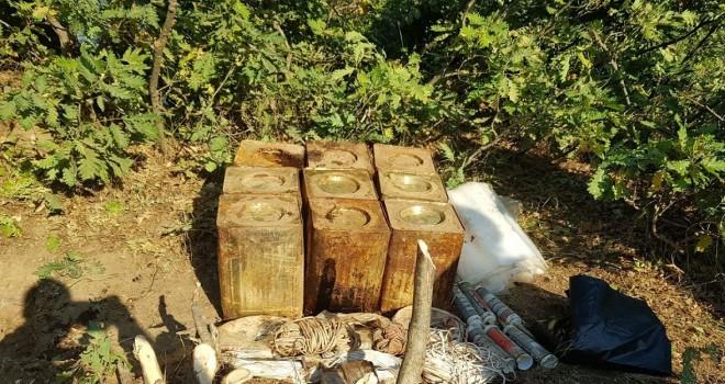 Bitlis'te 4 kilo 300 gram esrar ele geçirildi ve 180 kilo patlayıcı imha edildi