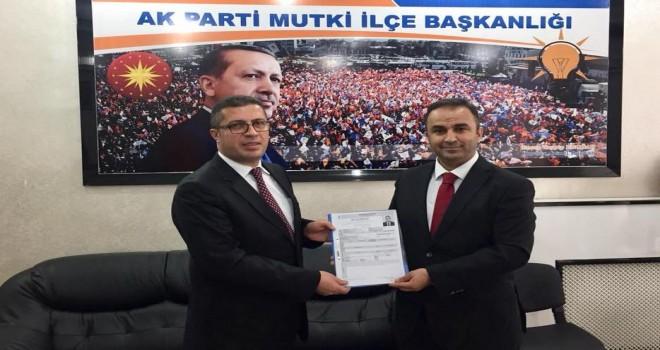 Vahdettin Barlak, Mutki Belediye Başkanlığı için aday adaylık başvurusunu yaptı