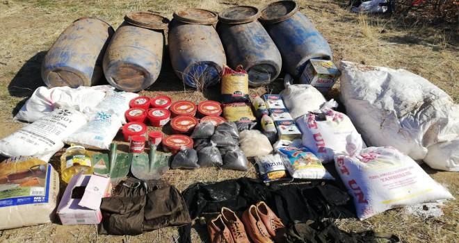 Mutki'de PKK'ya ait patlayıcı ve gıda malzemesi ele geçirildi