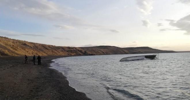 Van Gölü'nde göçmen taşıyan tekne battı, 7 kişi öldü