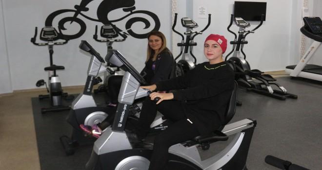 Sağlıklı Hayat Merkezi bünyesindeki Spor Salonu'na yoğun ilgi