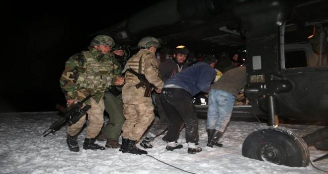 Hizan'da helikopterle hamile kadın kurtarıldı