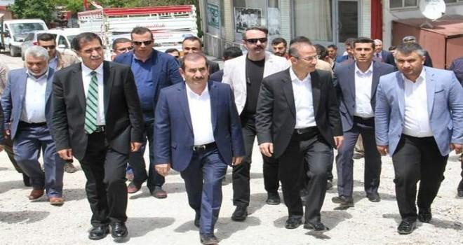AK Parti Bitlis milletvekili adayları Mutki'yi ziyaret etti
