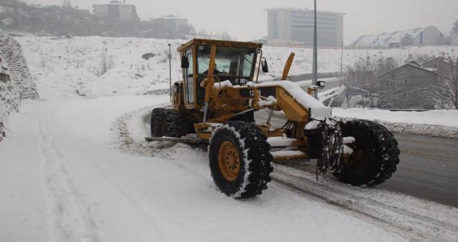 Bitlis Belediyesi karla mücadele çalışmaları