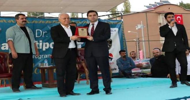Hizan'da Hatipoğlu'nun programı yoğun ilgi gördü