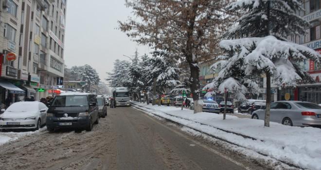 Kar yağışı nedeniyle Bitlis'te 80 köy yolu ulaşıma kapandı