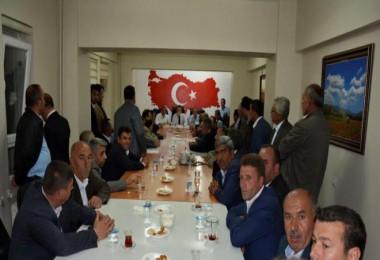 Bitlis Milletvekilleri Güroymak'taki muhtarlarla toplantı yaptı