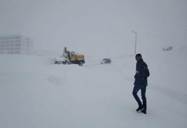 Bitlis Belediyesi karla mücadele çalışmaları aralıksız sürdürülüyor