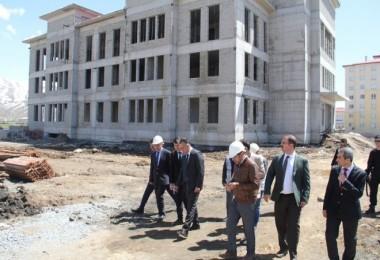 Vali Çağatay 112 Acil Merkezi inşaatını inceledi