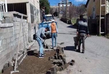 Ahlat'ta yol ve kaldırım çalışmaları