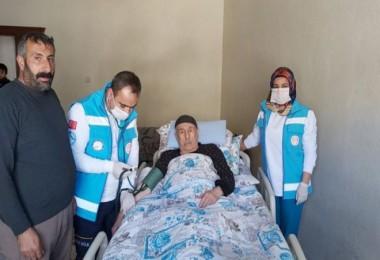 Bitlis'te hasta ve yaşlıların ihtiyaçlarını 'Vefa Destek Grubu' gideriyor