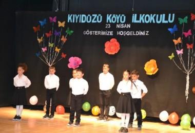 Tatvan'da 23 Nisan kutlamaları yapıldı