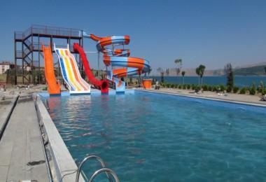 Tatvan'daki Aqua Park havuzlarına ilk su verildi