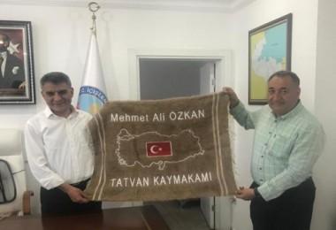 Milli eğitimden Kaymakam Özkan'a teşekkür ziyareti