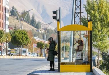 Bitlis'te kış şartlarına uygun otobüs durağı sayısı artırılıyor