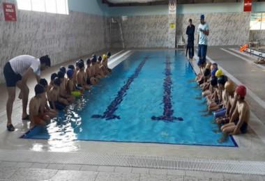 Bitlis'te yüzme bilmeyen kalmasın