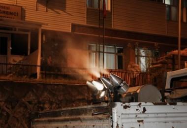 Bitlis Belediyesi'nden haşere ve mikroplara karşı ilaçlama