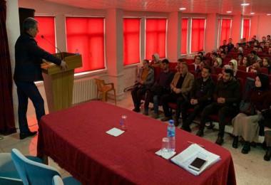 Aday öğretmenler için Tatvan'da eğitim semineri düzenlendi