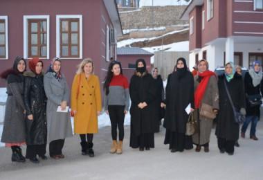 Tatvan'daki kadınlar Bitlis'teki Sevgi Evleri'ni ziyaret etti