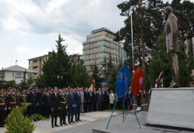 Zafer Bayramı Tatvan'da törenle kutlandı