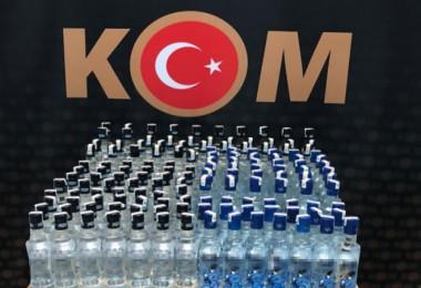 Adilcevaz ile Tatvan'da 703 şişe sahte içki ele geçirildi