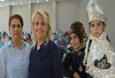 Tatvanlı çocuklar için İzmirli kadınlar sünnet şöleni düzenledi