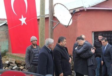 Vali Çağatay Güroymak'taki şehit ailelerini ziyaret etti