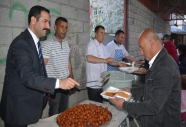 Başkan Geylani, iftar çadırına katıldı