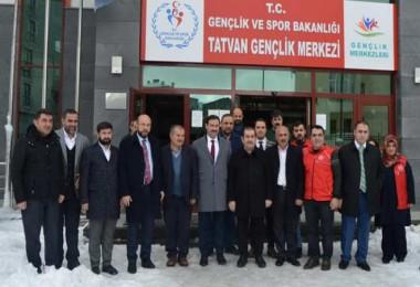 Milletvekili Cemal Taşar, Tatvan Gençlik Merkezi'ni ziyaret etti
