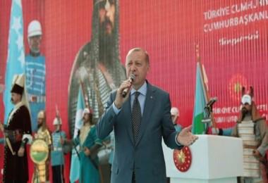 Cumhurbaşkanı Erdoğan, Malazgirt Zaferi etkinliklerine katıldı