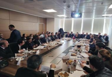 Başkan Geylani, Van Gölü'nün koruması ile ilgili Ankara'da düzenlenen toplantıya katıldı