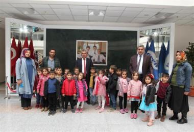 Anaokul öğrencilerinden BEÜ'ye ziyaret