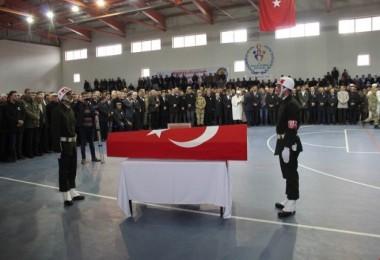 Helikopter kazasında şehit olan Uzman Çavuş Şahin Aslan, Güroymak'ta toprağa verildi