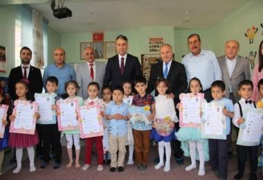 Bitlis'te 88 bin 935 öğrenci karne sevinci yaşadı