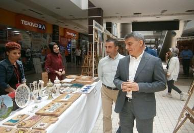 Güroymak Aile Destek Merkezi Tatvan'da sergi açtı