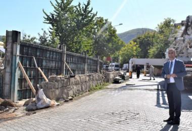 Mutki Belediyesi'nin yol yapım çalışmaları