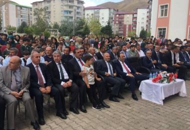 Bitlis'te 6514 öğretmen ile 92413 öğrenci ders başı yaptı