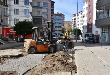 Tatvan'daki alt yapı ve üst yapı çalışmaları devam ediyor