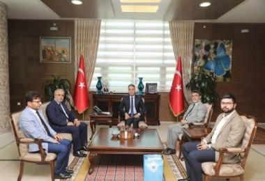 Diyanet işleri Başkan Yardımcısı, Vali Çağatay'ı ziyaret etti