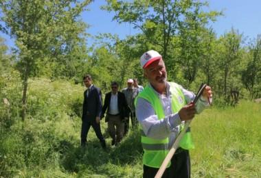 Bitlis'te bayram öncesi mezarlıklara bakım çalışmasına başlandı