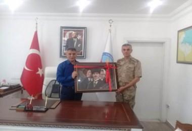 Bitlis Jandarma Bölge Komutanı'ndan KaymakamÖzkan'a veda ziyareti
