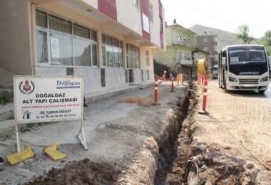 Bitlis'te doğalgaz çalışmaları Taş Mahallesi'nde devam ediyor