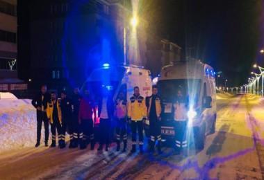 Bitlis'teki sağlık ve UMKE ekipleri deprem bölgesinde