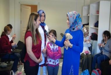 Lösemili çocuklar için Bitlisli kadınlar bebek örüyor