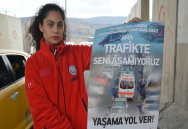 Tatvan'daki sürücüler geçiş üstünlüğü konusunda bilgilendirildi