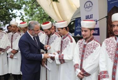 Ahlat'ta 32 hafız için mezuniyet töreni yapıldı